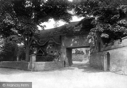 Castle Combe, Old Arch 1907