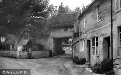 The Archway c.1950, Castle Combe