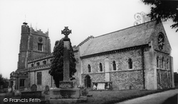 Castle Hedingham, St Nicholas Church c.1960