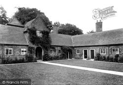 Almshouses 1908, Castle Rising