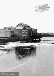 Castleford, The River Aire c.1955