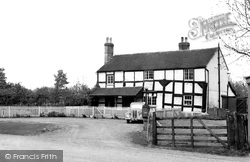 Castlemorton, Ye Old Robin Hood c.1960