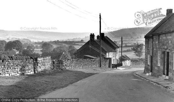 Photo of Castleton, Danby Gated House c.1955