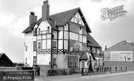 Castleton, the George and Dragon Hotel 1951