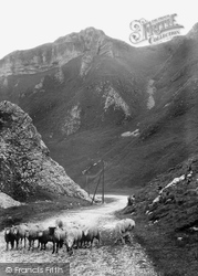 The Winnats 1909, Castleton