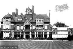 Harestone House 1903, Caterham