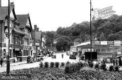 Station Approach 1952, Caterham