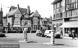 Caterham, The Valley Hotel c.1965