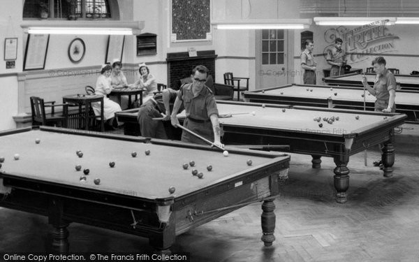 Photo of Catterick, Playing Pool, Sandes Soldiers Home c.1955