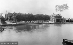 Caversham, Bona's Hotel 1904