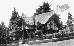 Caversham, Entrance To Warren 1908