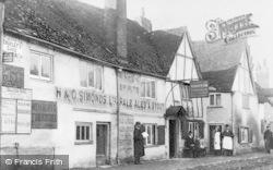 Caversham, Griffin Inn c.1890