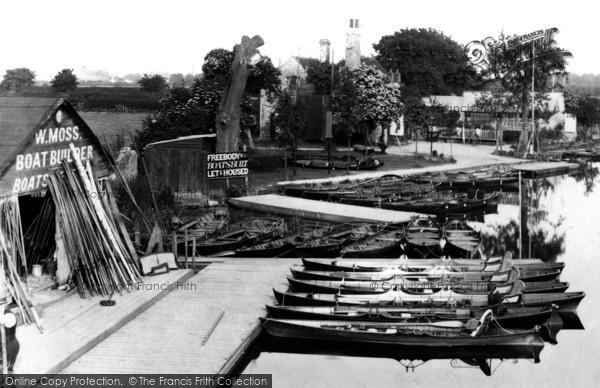 Photo of Caversham, W.Moss Boat Builder 1890