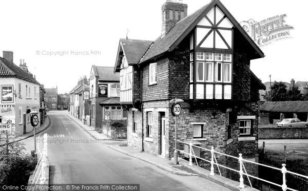 Cawood, High Street c1960