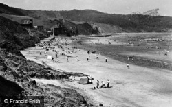 The Beach c.1960, Cayton Bay