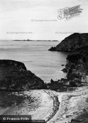 The Skerries Light And Fydlyn Bay 1936, Cemaes Bay