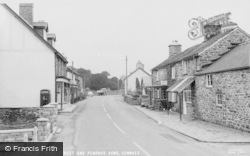 Cemmaes, High Street And Penrhos Arms c.1960