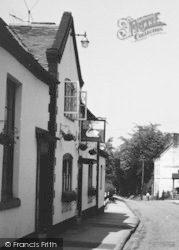 Chaddesley Corbett, The Swan Inn c.1955