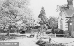 Chalfont St Peter, St Paul's Church And Horn Hill Village Hall c.1960