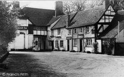 Chalfont St Peter, The Greyhound Inn c.1955