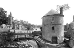 The Church And Round House 1900, Chalford
