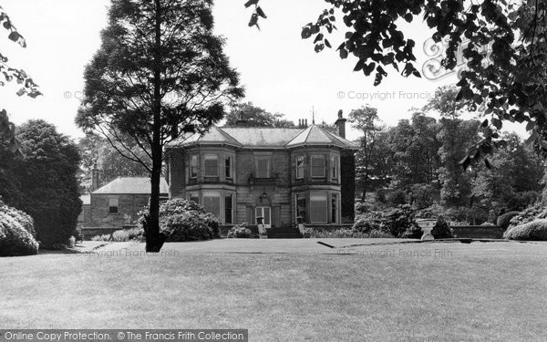 Photo of Chapel En Le Frith, Bank Hall c.1940