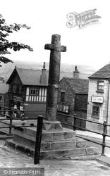 The Old Cross c.1940, Chapel-En-Le-Frith