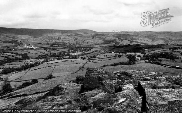 Chapel-En-Le-Frith, view from Eccles Pike c1940