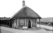 Chard, Old Toll House 1940