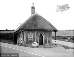 Old Toll House 1940, Chard