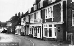 Charing, The Kings Head Hotel c.1965