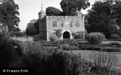 Charlecote, Charlecote Park Gatehouse c.1950