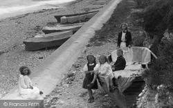 Children On The Beach 1912, Charlestown