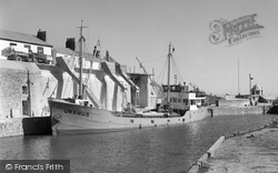 Loading China Clay 1958, Charlestown