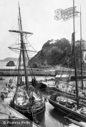 The Harbour 1912, Charlestown