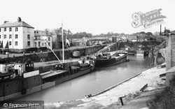The Harbour 1956, Charlestown
