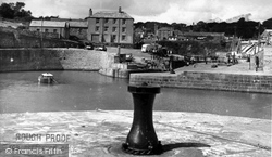 The Harbour c.1955, Charlestown