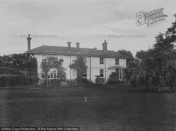 Charlwood, House 1924