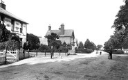 Charlwood, the Village 1906