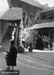 c.1939, Chateau De Chillon