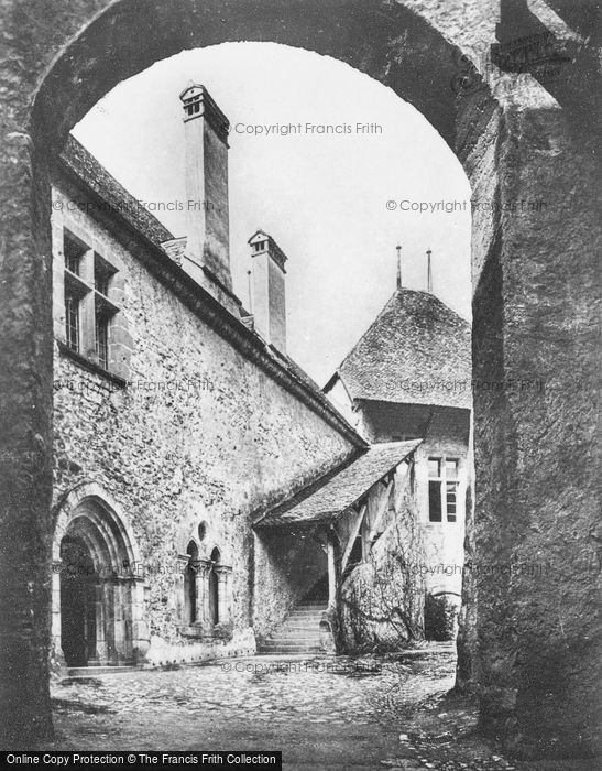 Photo of Chateau De Chillon, The Court c.1935