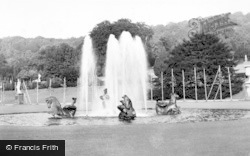 The Fountain c.1955, Chatsworth House