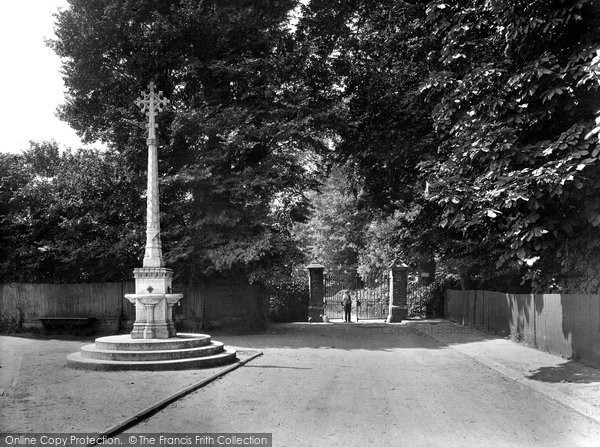 Photo of Cheam, Nonsuch Park, Bellgate Entrance 1925