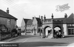 Cheddar, Cross And Bath Arms Hotel c.1955