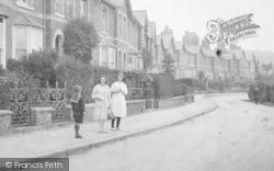 Girls, Sanford Crescent 1920, Chelston