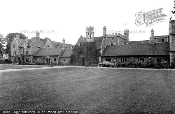 Cheltenham, St Paul's College c1960
