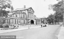 Cheltenham, The Town Hall c.1960