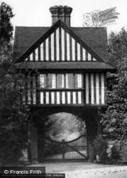 The Gateway 1928, Chelwood Gate
