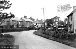 Chelwood Gate, The Village c.1930