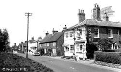Chenies, The Red Lion c.1965